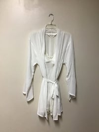Women Victoria's Secret lingerie sleep with matching robe… White… Medium
