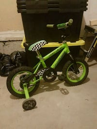 toddler's green and black bicycle with training wheels Milton, L9T 0N2