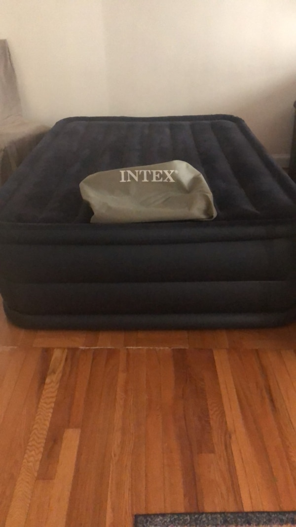 "Intex  22"" Queen Size Downy Air Mattress"