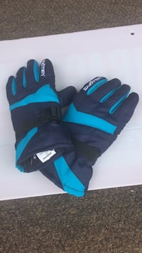 Kids gloves size L New Westminster