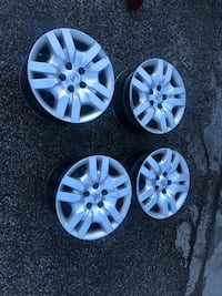 5x114.3 steel rims and hubcaps for altima Toronto, M8V 2V7