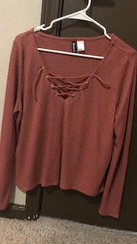Red v-neck sweater San Diego, 92120