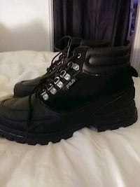Mans boots brand new size 13