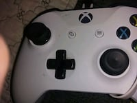 white and black Xbox 360 controller Marion, 43302