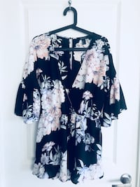 Brand New! Floral Jumper - Size L with tags Toronto, M3H 2S6