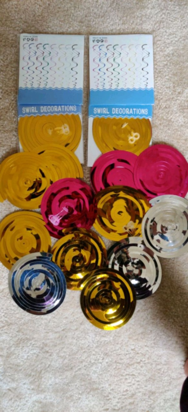20 PC's swirl decorations.... 0