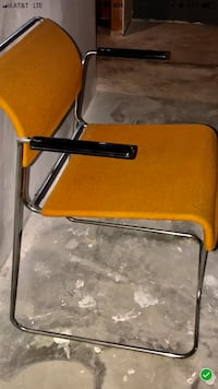 6 Steelcase Cantilever Chairs 381 mi