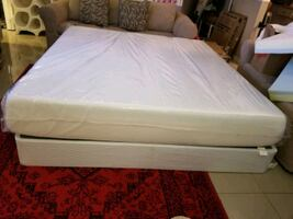 New 11 inch memory foam mattress & 9 box spring king