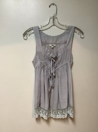 Juniors LA LOS ANGELES sleeveless tie front top with lace… Size small