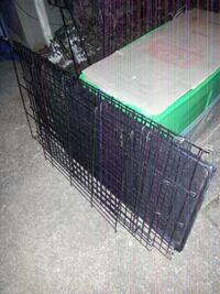 X LARGE pet cage with removable tray like new