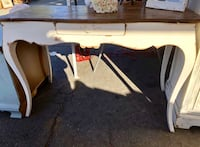 white and brown wooden table 2257 mi