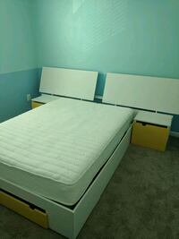 Bed with headboard 33 km