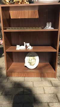 brown wooden 3-layer shelf Toronto, M3B 2W1