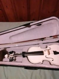 White 4/4 violin with bow Evansville, 47714