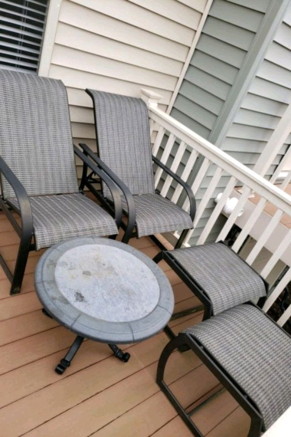 5 PC Iron patio set