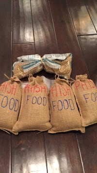 4 bags of  phish fish food Washington, 20002