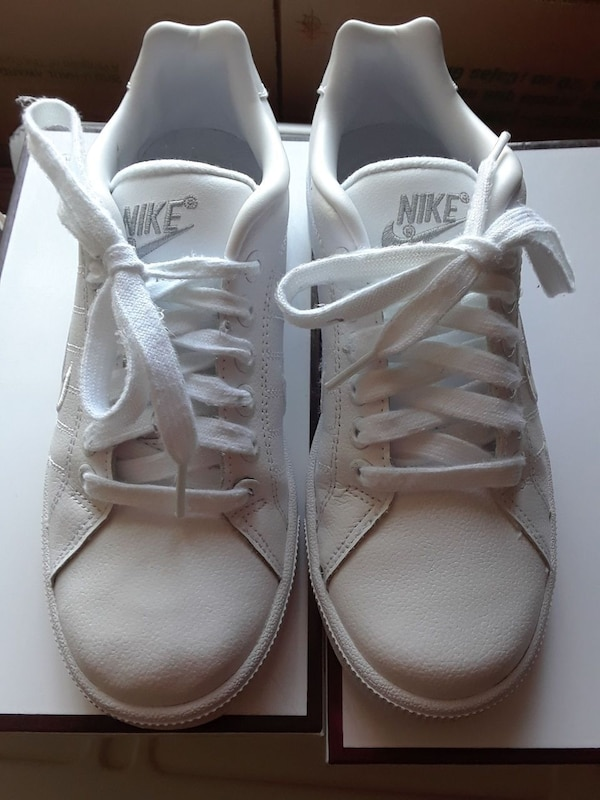 92ef3a933 Used Nike BRS Women s Size 7 for sale in Lebanon - letgo