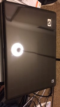 Black and gray hp laptop Los Angeles, 91402