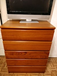 Nice big chest dresser with big drawers in very go