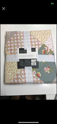 """BRAND NEW:  Bedspread. Never used  60""""x 80"""" 100% polyester  queen size Port Moody, V3H 4C6"""