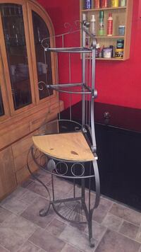 Decorative stand. Negotiable Montreal