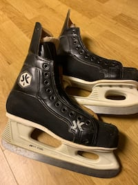 Boys skates size 5 Pickering, L1V 1M1