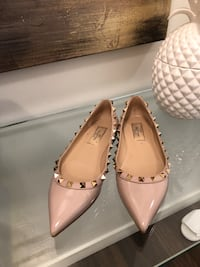 pair of beige leather pointed-toe flats Burnaby, V5C 0C5