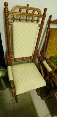 brown wooden framed white padded armchair Longueuil, J4H 2Y4