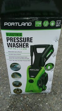 Elect pressue washer used one time like new $40 Kirkland, 98033