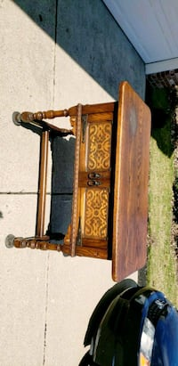 ANTIQUE TABLE Indianapolis