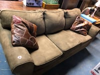 Beige Large Couch Martinsburg, 25404