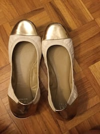 Gold Leather Saks Fifth Avenue ballet shoes size 8 Vaughan, L6A 1M9