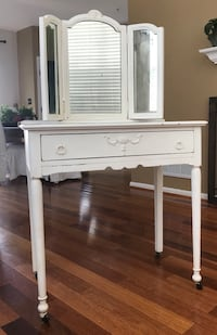 Hand painted antique  dressing table with mirror Ashburn