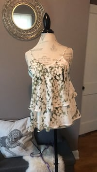 white and black floral scoop-neck sleeveless top Grand Rapids, 49505