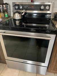 Maytag convection self cleaning stove Laval, H7M 2Y6