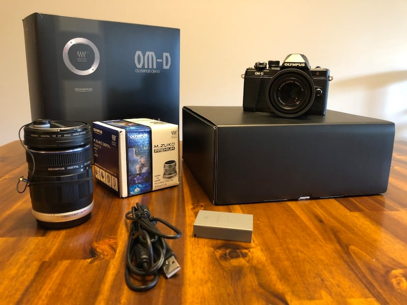 Olympus omd em-10 mark ii with 2 lens de63a1e2-da05-4b5b-be4b-6b748eb8a199