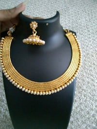 Pearl gold necklace and earrings Aldie, 20105