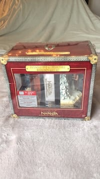 The Chronicles of Narnia Limited Edition Extended DVD & Collectible Bookends Gift Set