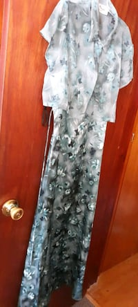 Womens 11/12 long length green floral spaghetti strap dress with cover
