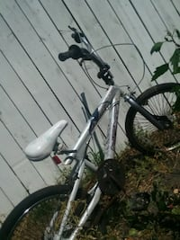 white and black hardtail mountain bike Grand Rapids, 49509