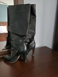 Michael Kors leather boots Laval, H7K 3B6