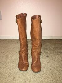 Size 9 tan boots Vancouver, 98682
