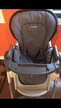 baby's black and gray Evenflo high chair