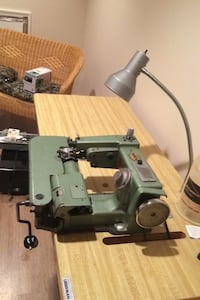 Industrial blind stitch sewing machine with stand, motor, lamp Sterling, 20165