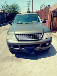 Ford - Explorer - 2004 Los Angeles, 90018