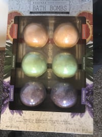 6 quality bath bombs made by Essenza- also sold individually wrapped :) Portland, 97236