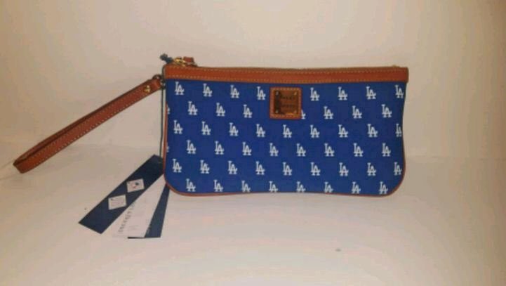 Photo Dooney and Bourke Los Angeles Dodgers wristlet