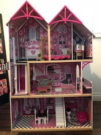 Doll House Surrey, V3W 8P5