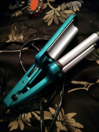 A hair crimper Sweetwater, 37874