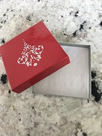 200 new Red and grey gift boxes Hamilton, L9H 5E1